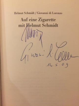 Originale Signaturen von Helmut Schmidt und Giovanni di Lorenzo in meinem Exemplar, 2009